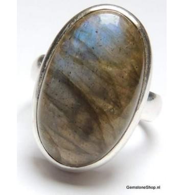Labradoriet in Zilver Ring 16