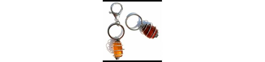losse onderdelen om edelsteen sleutelhanger samen te stellen
